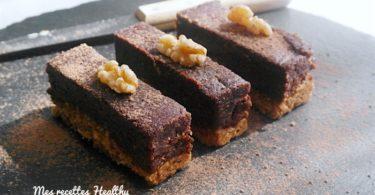 cru-recette-brownie-chocolat-gateau-fondant-cacao-noix-amande-miel-avoine