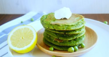 Pancake de petits pois à la menthe et au fromage