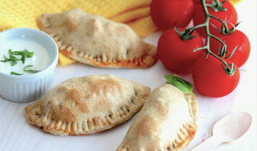 Empanadas de poulet aux olives et tomate