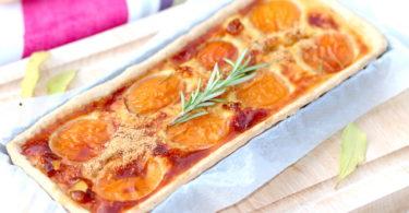 Tarte à l'abricot et romarin au miel