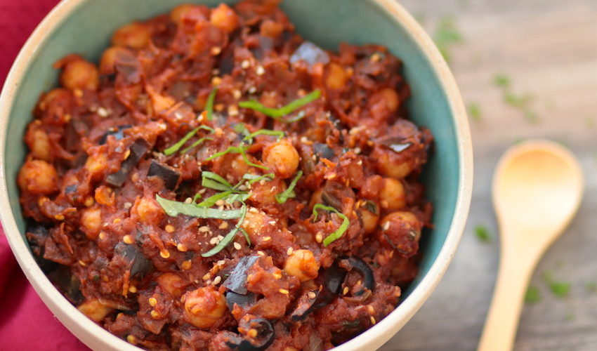 ragout de pois chiches-recette-ragout-vegan-pois chiches-aubergine-tomate-basilic-persil-accompagnement-vegetarien