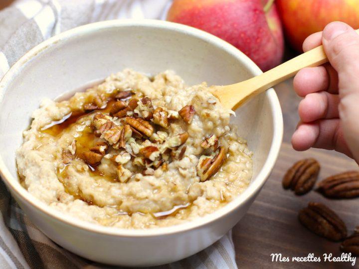 Porridge à la pomme et noix de pécan