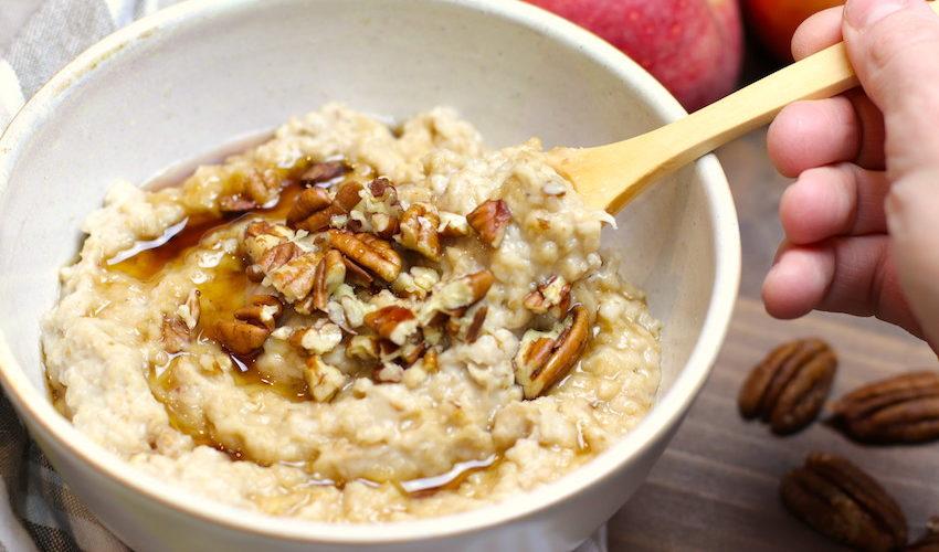 recette-porridge-pomme-noix de pécan-matin-avoine-gruau-porridge à la pomme