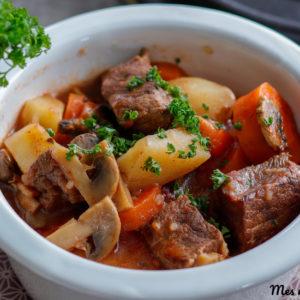 recette-boeuf bourguignon-plat traditionnel-boeuf bourguignon sans vie-sans alcool-plat complet-recette française-vin rouge-legume-viande