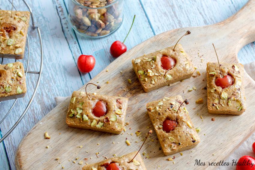 recette healthy-gateau-pistache-fruit-sans gluten-sans beurre-sans lait-sans lactose-amande-cerise-pistache-financier pistache-fruit rouge-mure-myrtille-framboise-groseille-recette sucrée