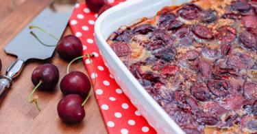recette-healthy-clafoutis aux cerises-sans sucre-sans sucre ajoute-fruit-gateau-fruits-