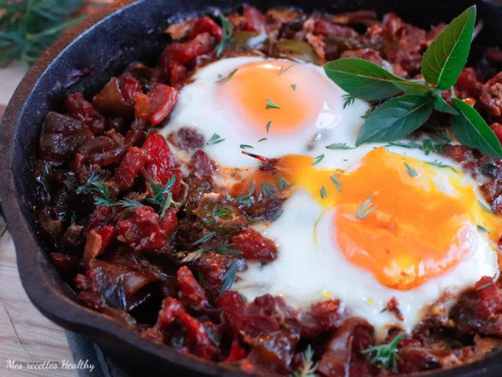 recette healthy-chakchouka-ratatouille-legume-tomate-poivron-oeufs-proteine-vegetarien-plat
