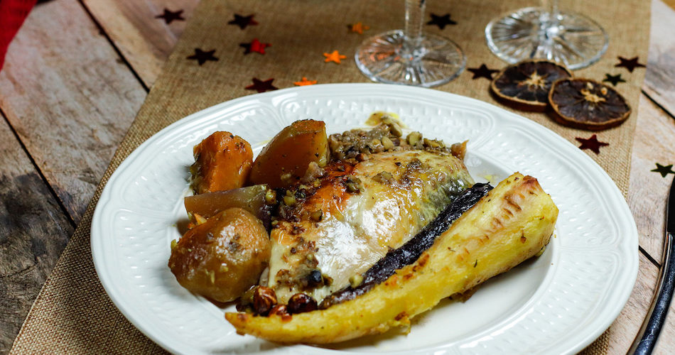 pintade-volaille-farce-noel-dinde-noisette-marron-chataigne-legume-rutabaga-betterave-panais-carotte-pintade farcie
