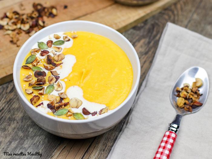 recette-veloute-potage-soupe-hiver-butternut-potiron-courge-noix de coco-lait-panais-carotte-velouté au butternut