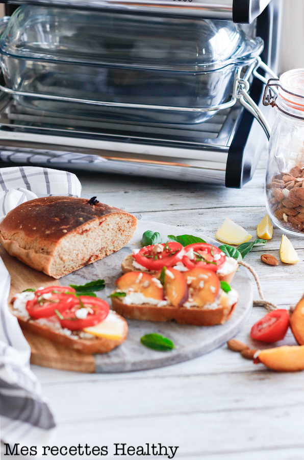 omnicuiseur-recette healthy-tartine-pain maison-aperitif-fromage-fruit-tomate