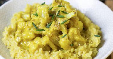recette healthy-curry de chou-fleur-choux fleurs-riz complet-lait de coco-beurre de cacahuète