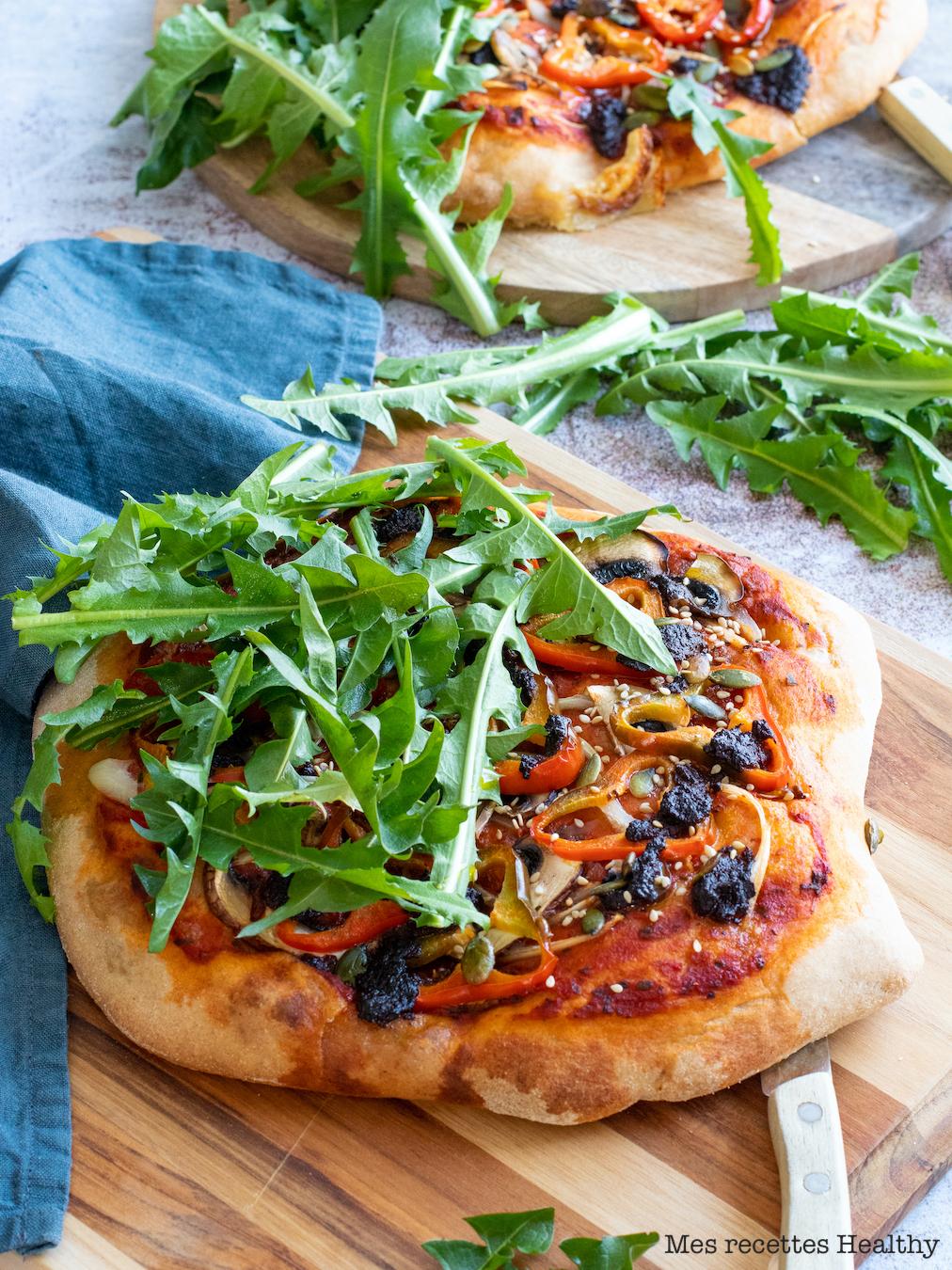 recettehealthy-pizza naan-mozzarella-tapenade-roquette-champignon