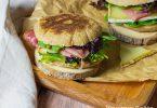recette healthy-sandwich-tome de montagne-petit déjeuner-jambon cru-oeuf brouille