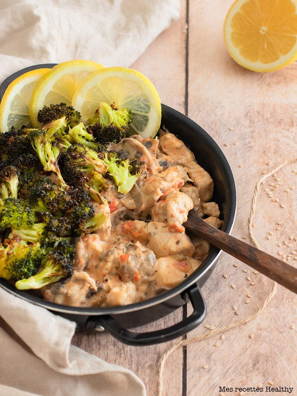 Poulet à la crème et brocolis rôtis