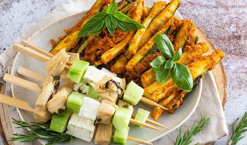 recette healthy-poulet souvlaki-trite courgette-brochette poulet-feta-concombre