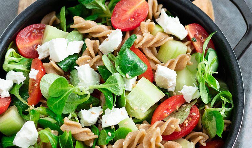 recette healthy-salade de pâte au concombre-fromage frais-chèvre frais-tomate-entree