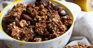 recette healthy-granola croustillant-fruit sec-coco-chocolat-epice