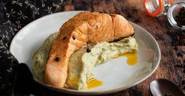 recette healthy-saumon mariné-épice-purée brocolis-parmesan-légume