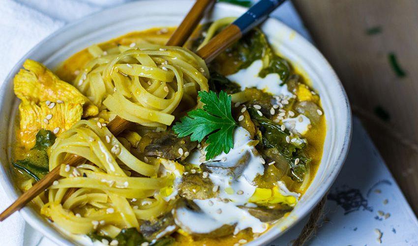 Soupe chinoise au poulet et kale