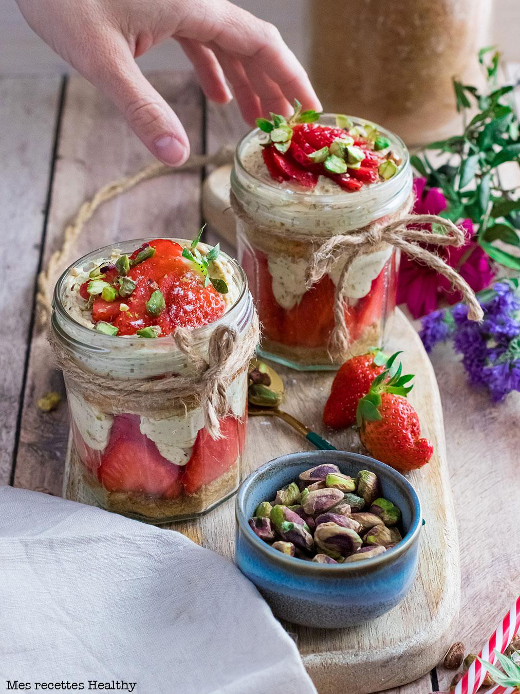 recette healthy-fraisier facile-pistache-creme-bocal