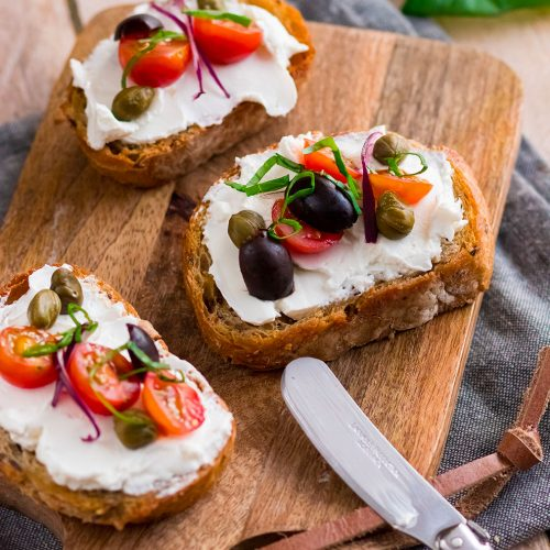 recette healthy-tartine-fromage frats-bruschetta