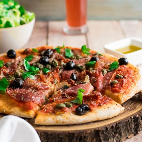 recette healthy-pizza-barbecue-jambon-tomate-olive-capre