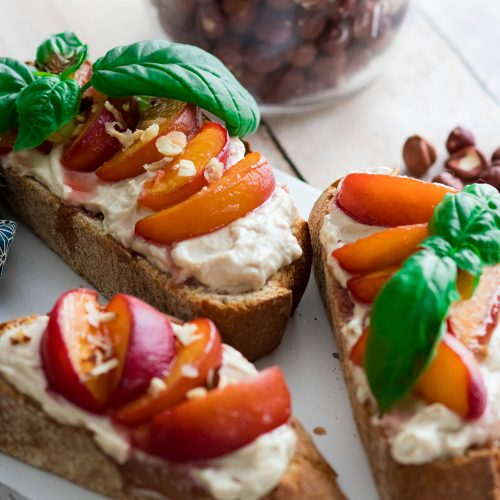 recette healthy-tartine-ricotta-peche
