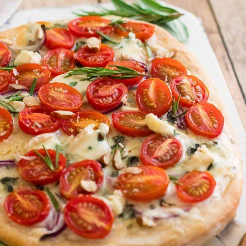 recette healthy-pizza-tomate cerise-roquefort